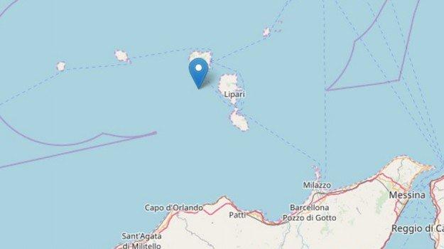 La terra trema 3 volte, notte di scosse  in Sicilia: la più forte di 3.4 alle Eolie